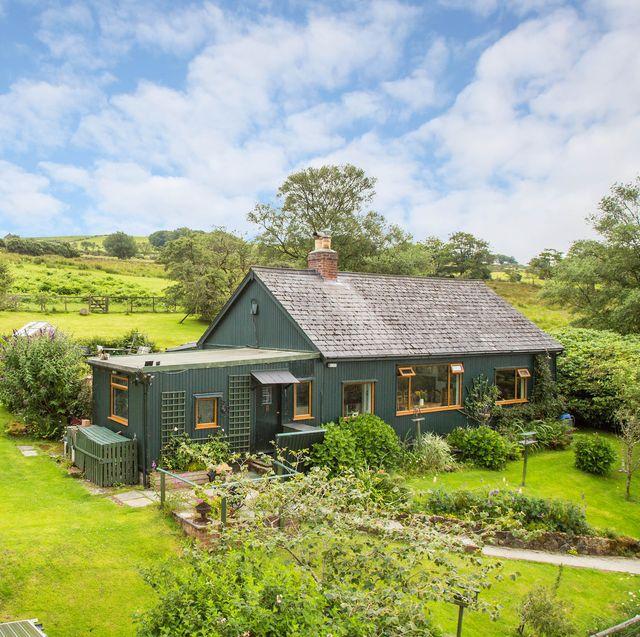 off grid home for sale in dartmoor