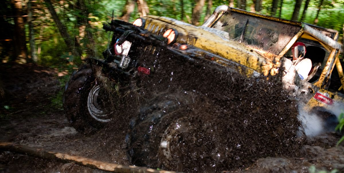 7 Essential Tools You Need to Get Your Truck Unstuck