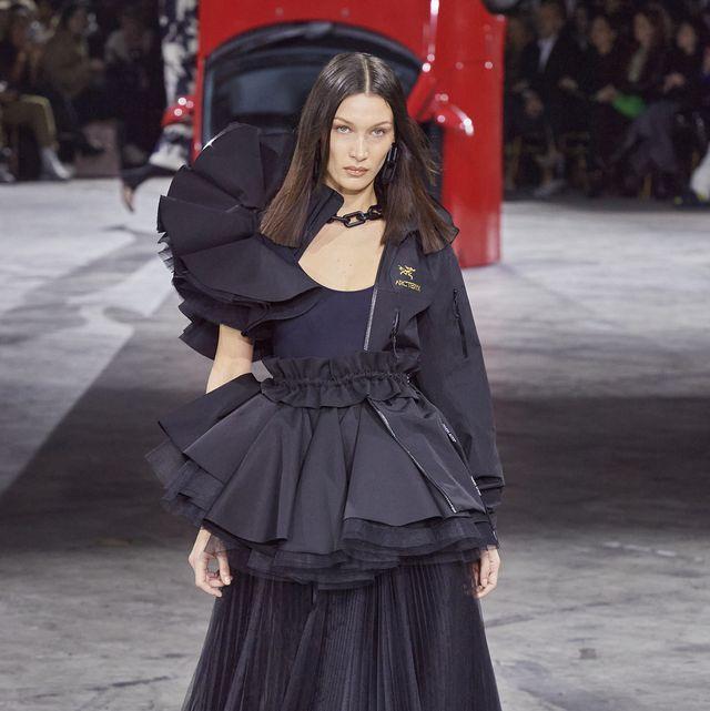 Clothing, Fashion, Fashion model, Outerwear, Dress, Fashion show, Runway, Haute couture, Street fashion, Gown,