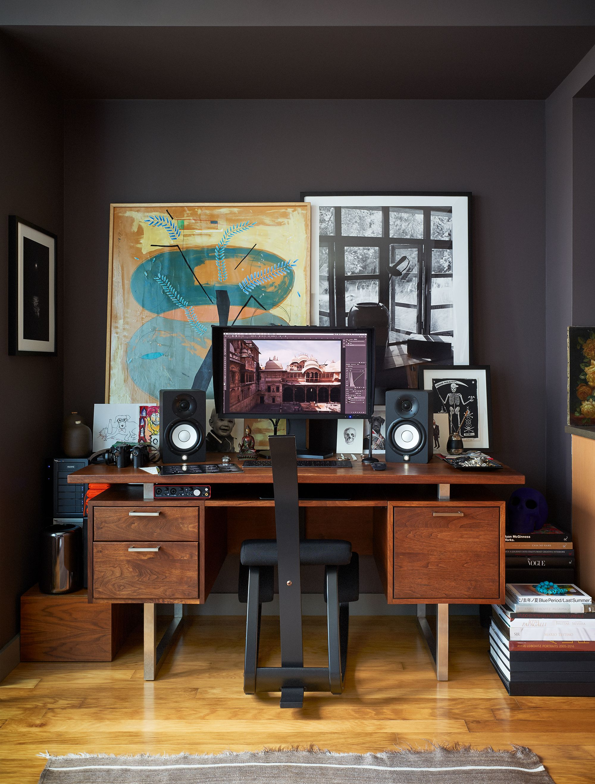 Cool Bedroom Office Ideas from hips.hearstapps.com