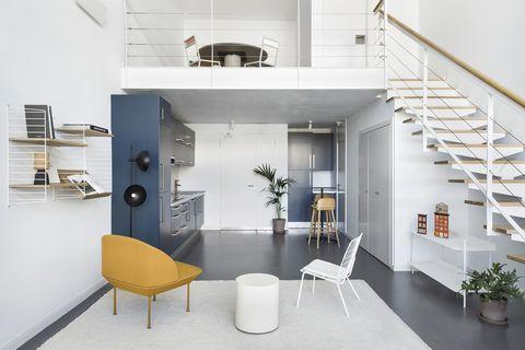 Oficina diseñada como loft minimalista