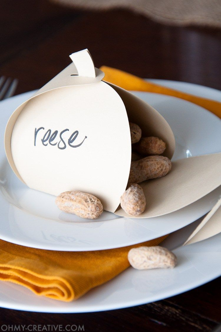 17 easy diy thanksgiving place cards cute ideas for thanksgiving name cards - Thanksgiving Place Cards