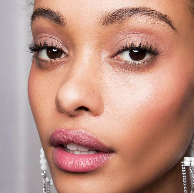 20 Best Foundations For Oily Skin Of 2021