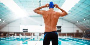 hombre natación