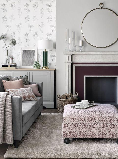 Bedroom, Furniture, Room, Interior design, Bed, Wall, Property, Bed sheet, Bed frame, Nightstand,