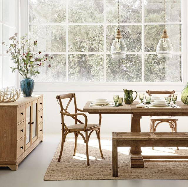 Furniture, Room, Table, Coffee table, Interior design, Dining room, Floor, Material property, Houseplant, Desk,