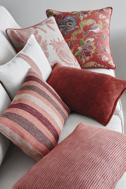 Throw pillow, Pillow, Cushion, Furniture, Couch, Bedding, Room, Pink, Textile, Linens,