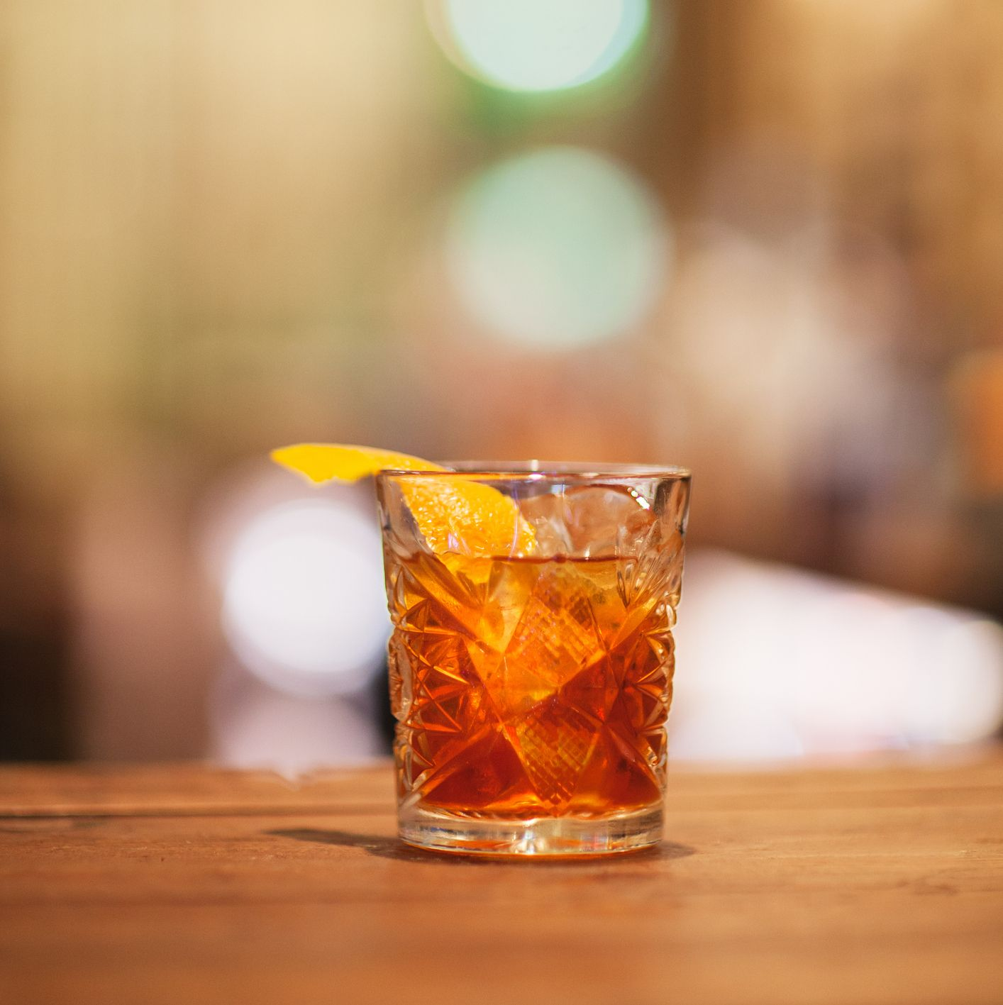10 Rye Whiskey Cocktails for The Cozy Season