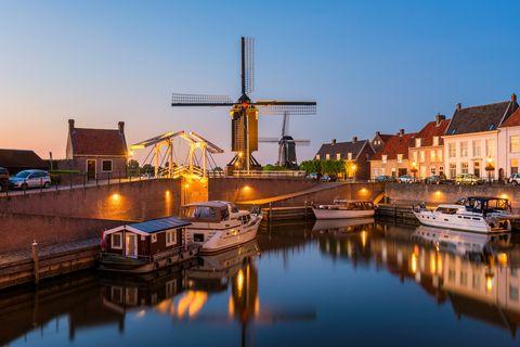 old harbor in heusden netherlands at dusk