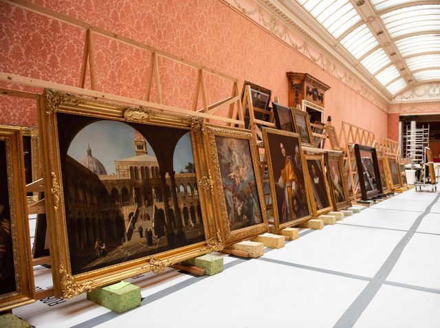 paintings being removed from the picture gallery at buckingham palace