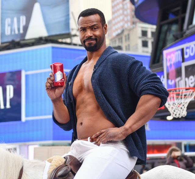 old spice actor isaiah mustafa times square appearance