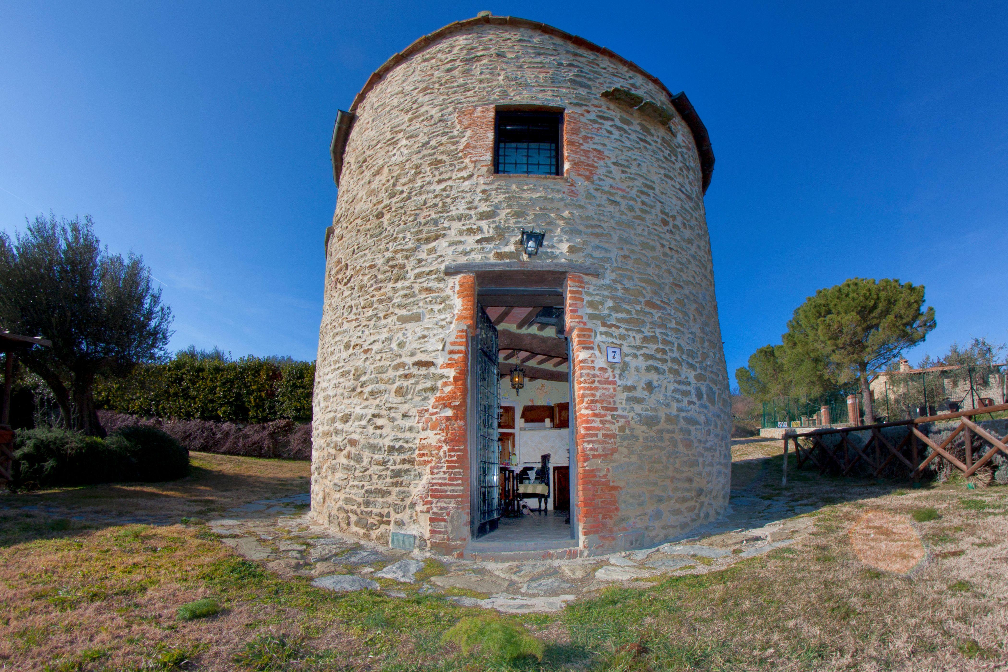 Old Tower, Lake View, Swimming Pool, Tuoro sul Trasimeno, Umbria, Italy