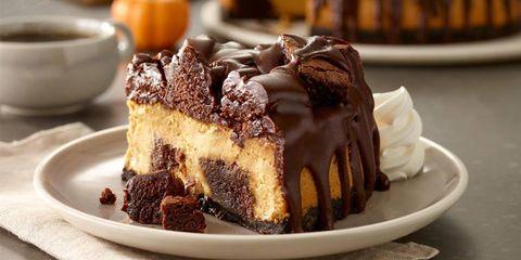 Dish, Food, Cuisine, Dessert, Frozen dessert, Cake, Ingredient, Baked goods, Torte, Chocolate,