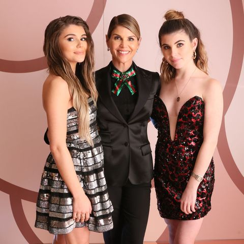 Laurie Lorrie Whats In Name >> Lori Loughlin S Daughters Are Growing Up And Look Exactly Like Their