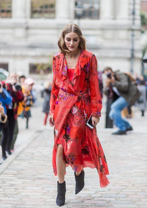 olivia palermo con un vestido rojo