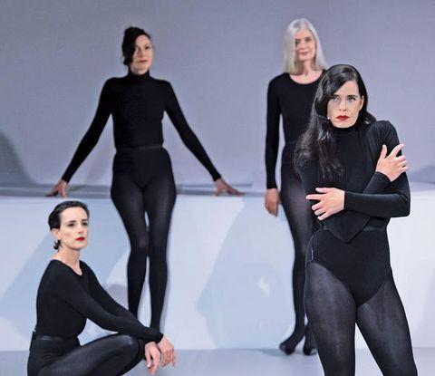 «Il rapporto tra queste donne e gli stilisti che le scelsero ha un'alchimia magica ancor oggi», dice Olivier Saillard