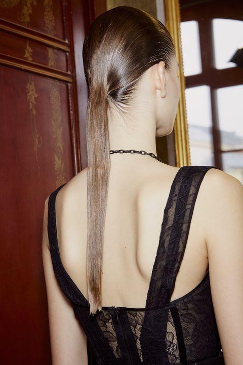 Hair, Hairstyle, Shoulder, Long hair, Back, Neck, Brown hair, Hair coloring, Lace, Black hair,