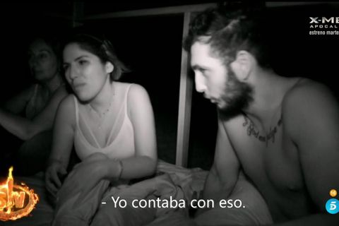 Omar Montes tontea con Chabelita en su noche en Honduras