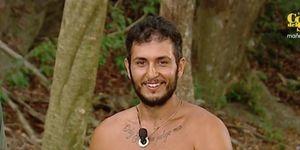 Omar Montes recibe la llamada de su abuela Ángeles en Supervivientes