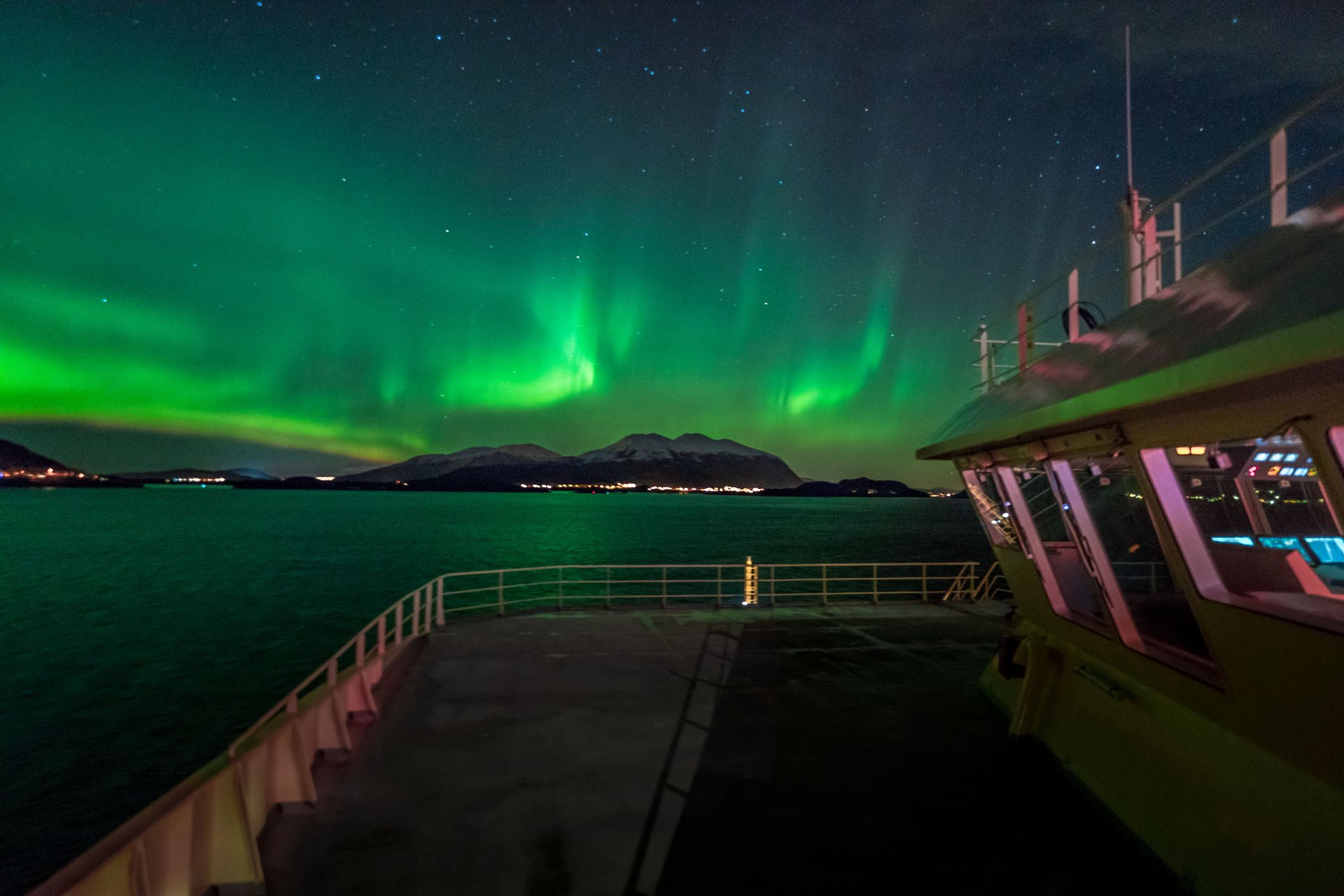 The ultimate guide to taking a Northern Lights cruise