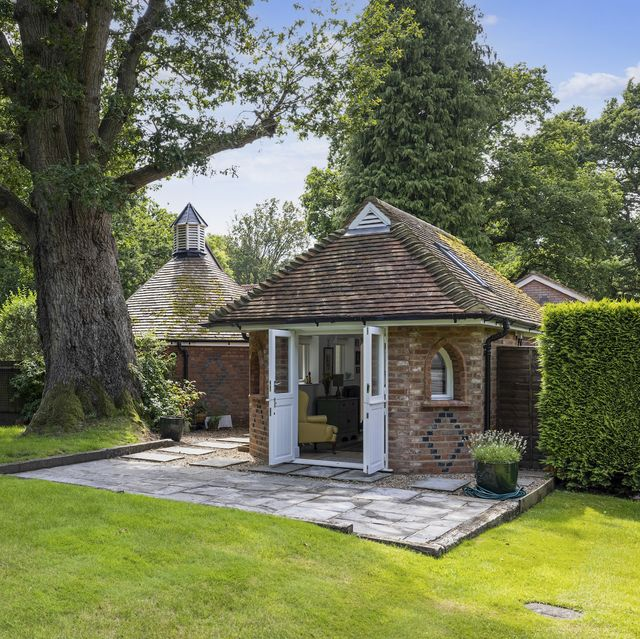 the dairy, a onebedroom lodge house for sale in surrey