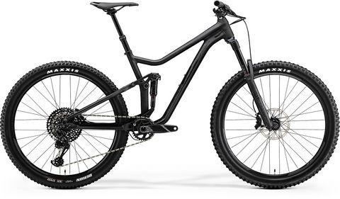 Land vehicle, Bicycle, Bicycle wheel, Bicycle part, Vehicle, Bicycle tire, Bicycle frame, Spoke, Bicycle drivetrain part, Bicycle fork,