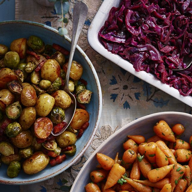 one pan roast potatoes, sprouts and bacon
