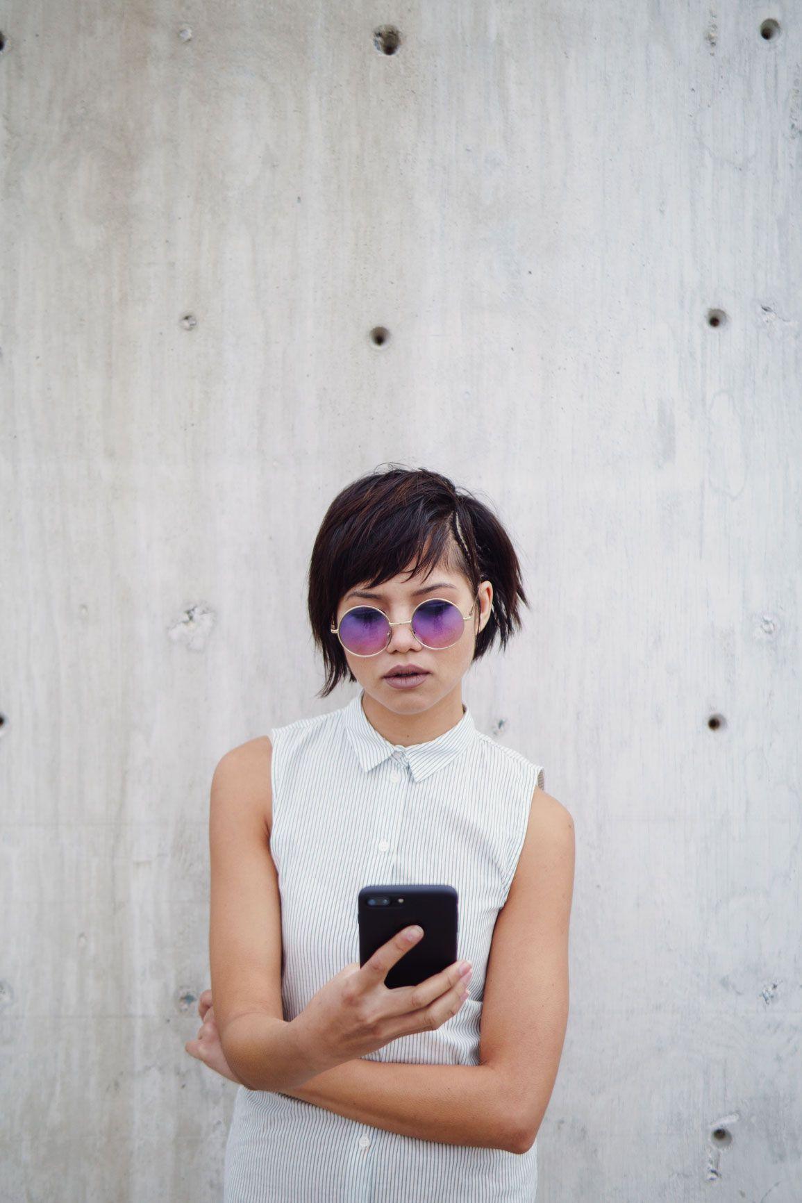 Meeting girl online