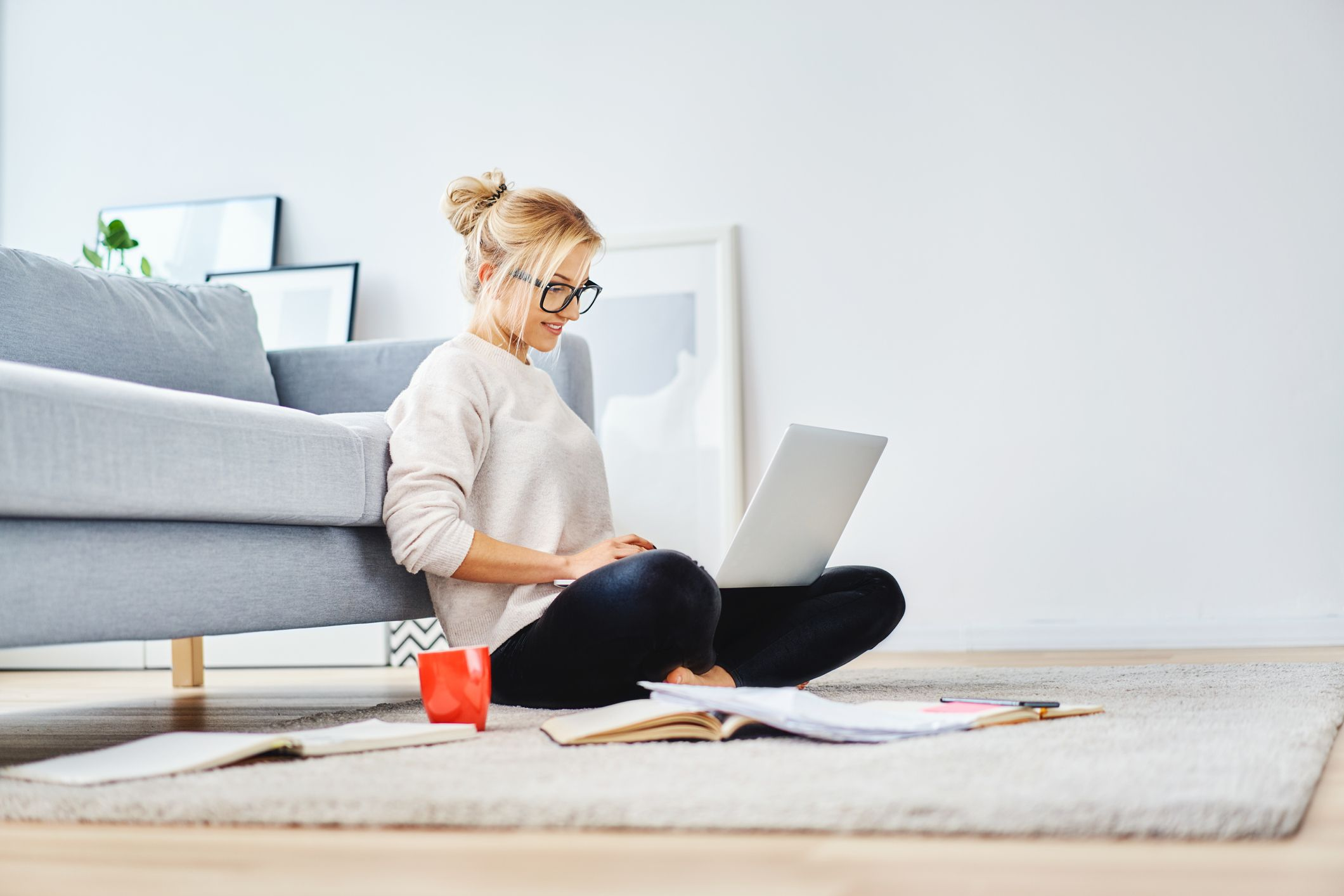 10 Online Transcription Jobs That Are Basically Easy Money