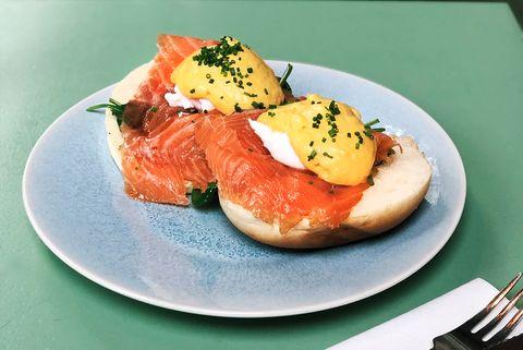 eggs royale met gerookte zalm
