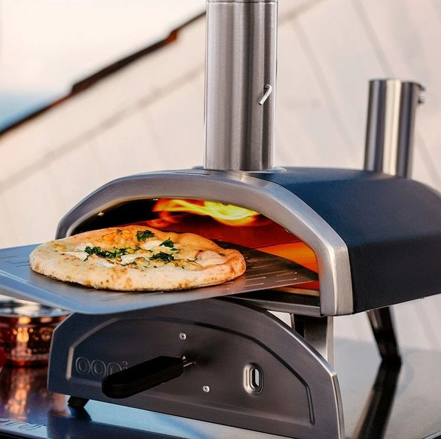 pizza cooked in ooni fyra 12 wood pellet pizza oven