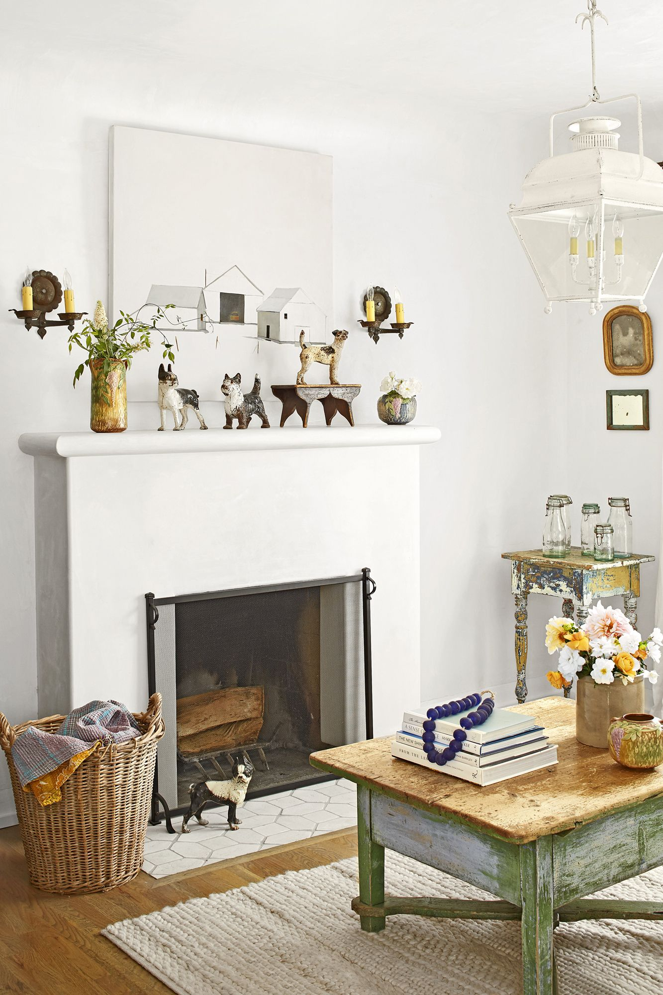 small house tour mantel
