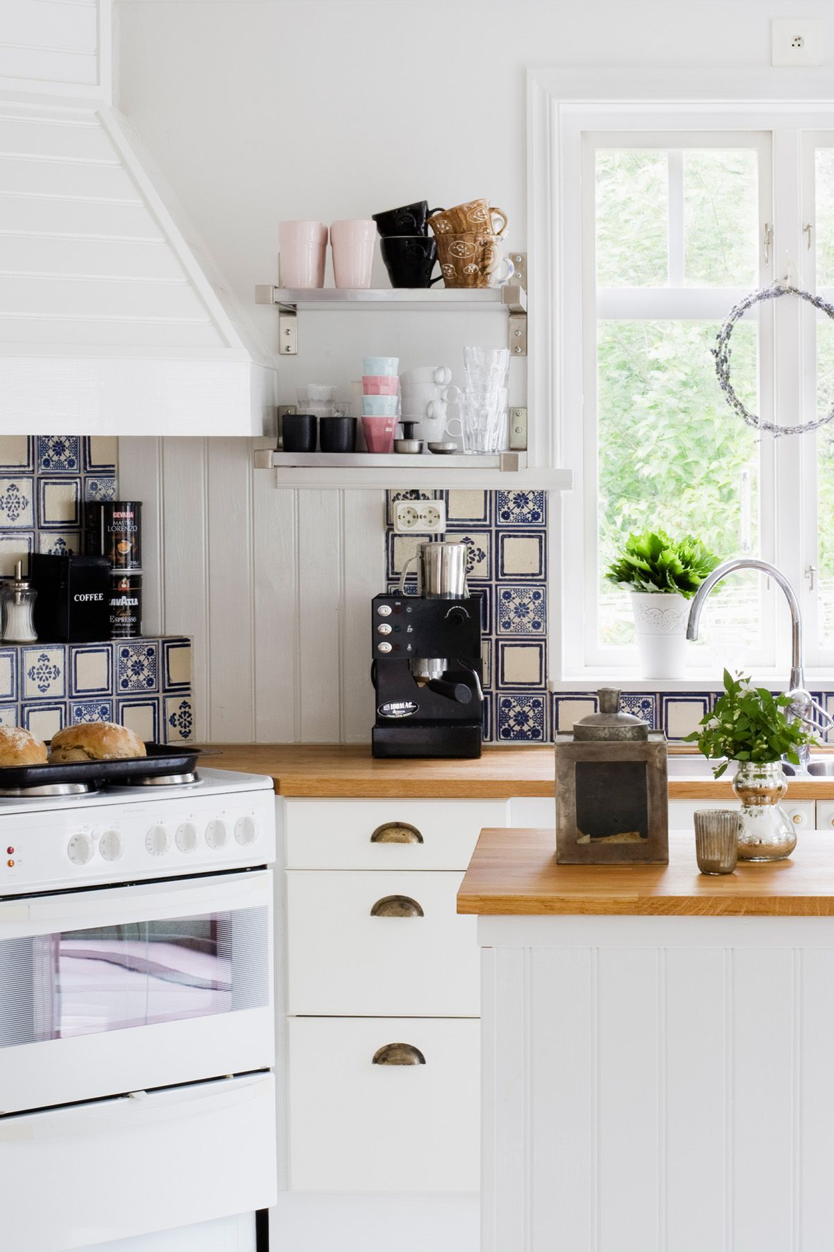 15 Kitchen Trends Designers Never Want to See Again - Kitchen Trends ...