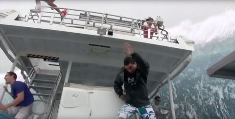 The new 39 open water 3 39 trailer will ruin your favorite childhood song forever open water 3 - Open water 3 cage dive ...