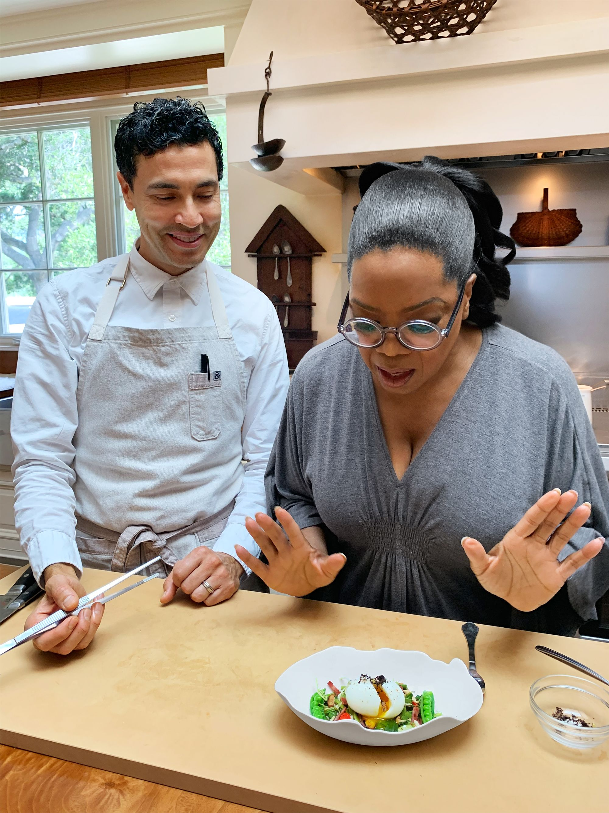 """Oprah Shares Her Recipe for """"Sexy Eggs"""""""