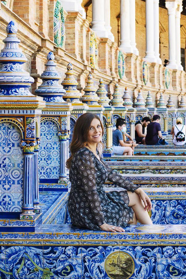 tania gruenberg, cermic tiles artist, photographed in sevilla, spain both in her studio or at plaza de españa 2021