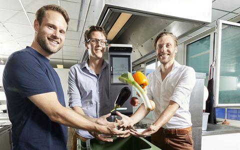 vlnr richard beks, olaf van der veen en bart van arnhem, founders zero food waste orbisk, utrecht, 12 8 2020
