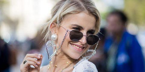 Eyewear, Sunglasses, Hair, Glasses, Street fashion, Blond, Cool, Hairstyle, Lip, Beauty,