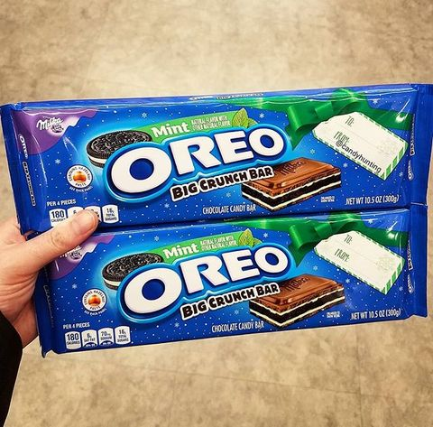 Oreo, Snack, Cookies and crackers, Cookie, Food, Finger food, Baked goods, Energy bar, Dessert, Chocolate,