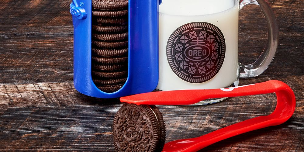 The Oreo-Dunking Set Is Returning to Walmart Soon, So Get Your Cookies Ready
