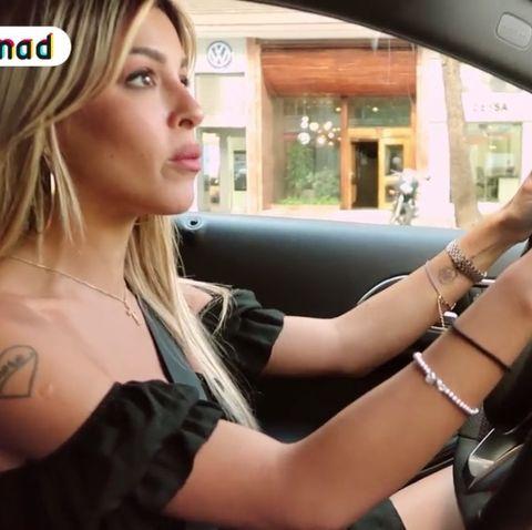 Oriana Marzoli tiene un accidente con el coche.