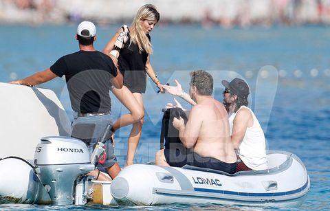 Javier Hidalgo y Oriana Marzoli se lo pasan pipaen Ibiza