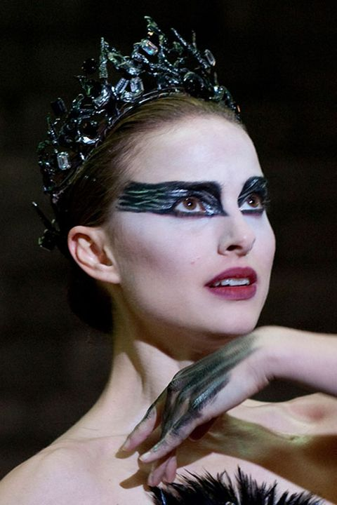 Hair, Face, Headpiece, Beauty, Hairstyle, Hair accessory, Eyebrow, Lip, Fashion, Head,