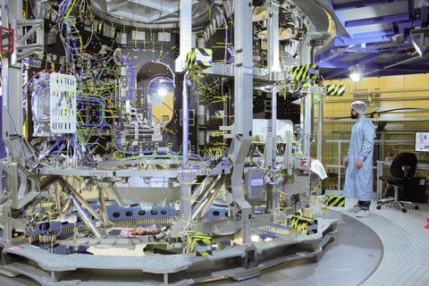 airbus esm module nasa spacecraft orion