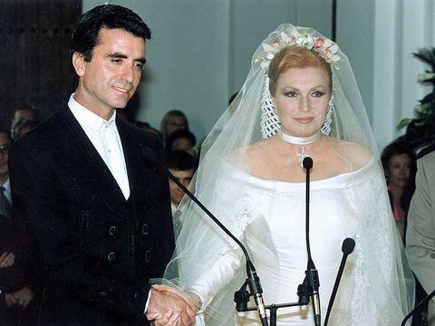 Veil, Headpiece, Bridal veil, Bridal accessory, Marriage, Ceremony, Wedding dress, Hair accessory, Event, Wedding,