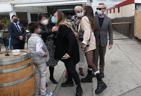 ortega cano con su mujer y nietos