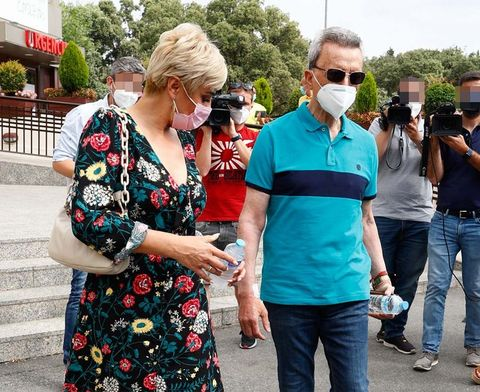 ortega cano sale del hospital con ana maria aldon