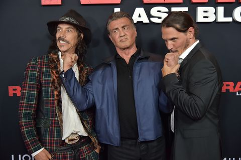 Top 5 personajes favoritos de series - Página 3 Oscar-jaenada-sylvester-stallone-and-sergio-peris-menchets-news-photo-1568968300