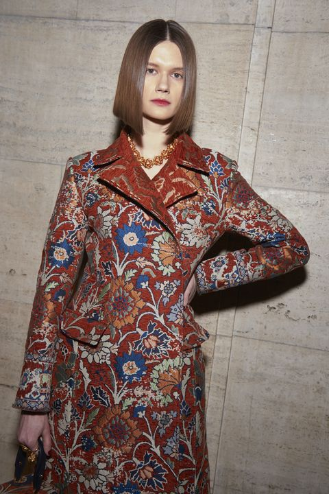 Clothing, Pattern, Maroon, Sleeve, Visual arts, Pattern, Design, Motif, Dress, Textile,