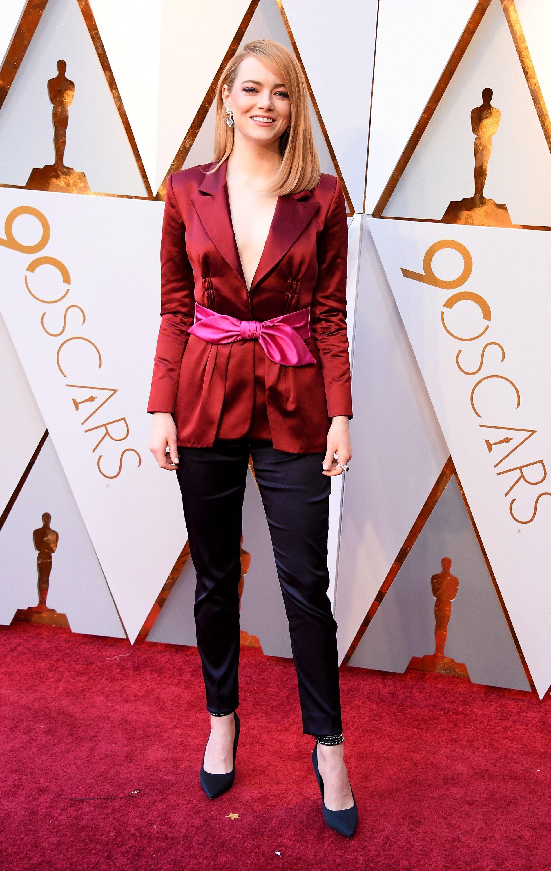 Tenue très chic d'Emma Stone aux Oscars 2018